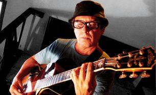 Lenda viva no cenário musical brasileiro, Paulinho Guitarra tem A.Companhia como parceira no desenvolvimento de projetos de comunicação visual.